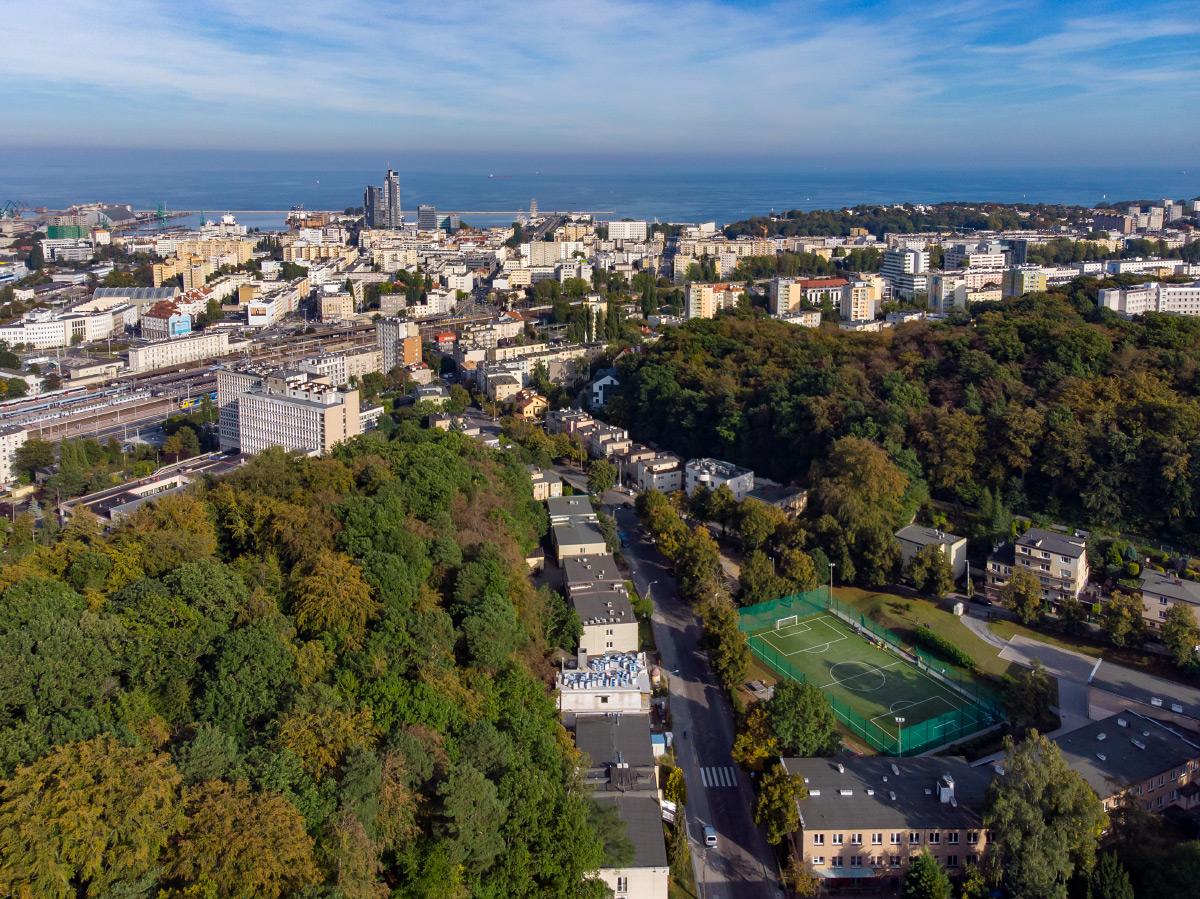 Widok na Działki Leśne i centrum Gdyni